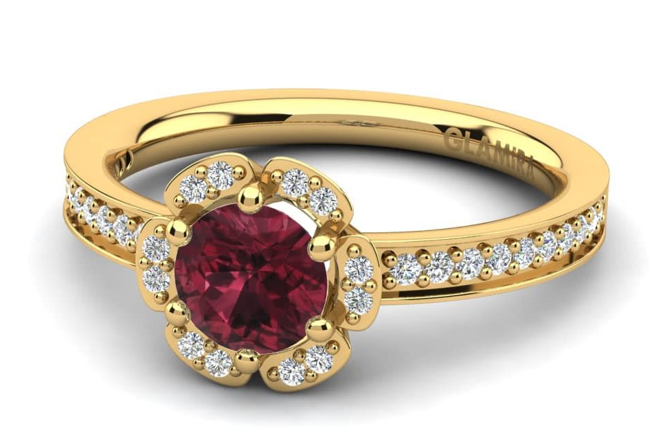 garnet ring yellow gold